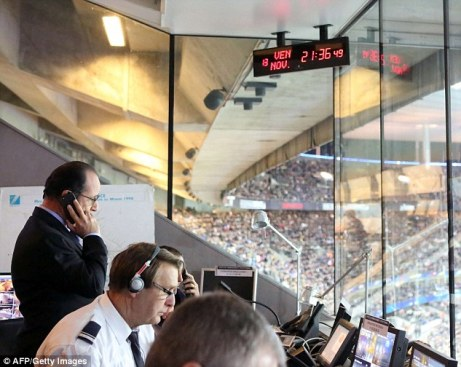 2E6CF32700000578-3317952-President_Francois_Hollande_as_he_learns_about_the_Paris_attacks-m-18_1447521376750